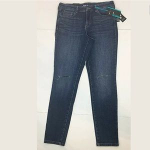 Style Co Skinny Leg Mid Rise Medium Wash Jeans